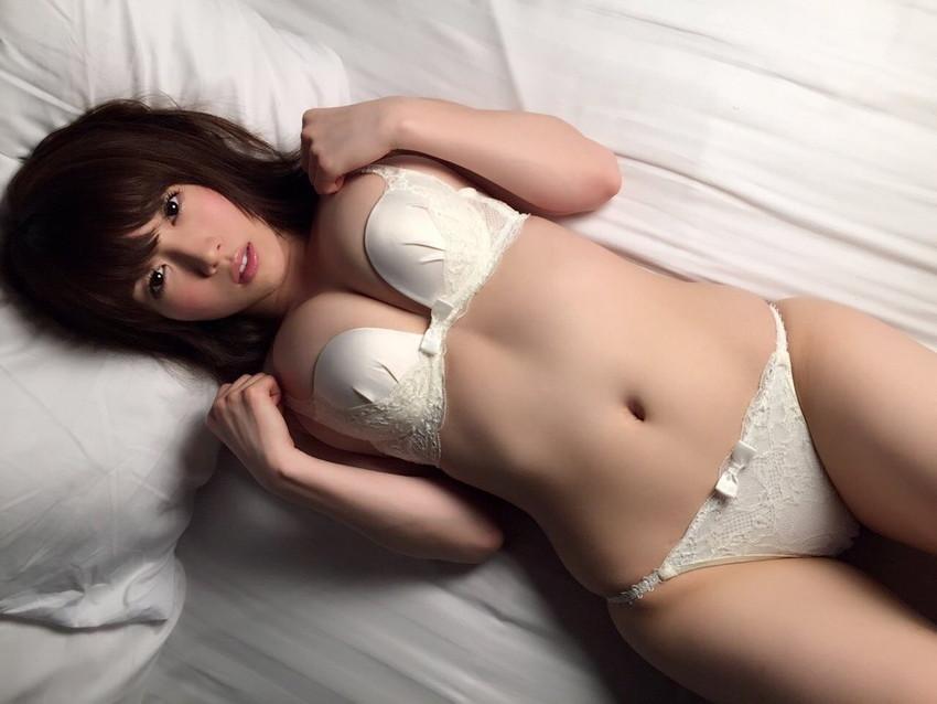 【ランジェリーエロ画像】全裸じゃないけどこれも良い!下着姿の女の子達! 05