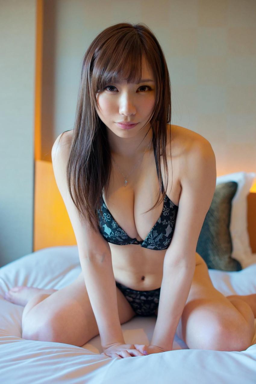 【ランジェリーエロ画像】全裸じゃないけどこれも良い!下着姿の女の子達! 56