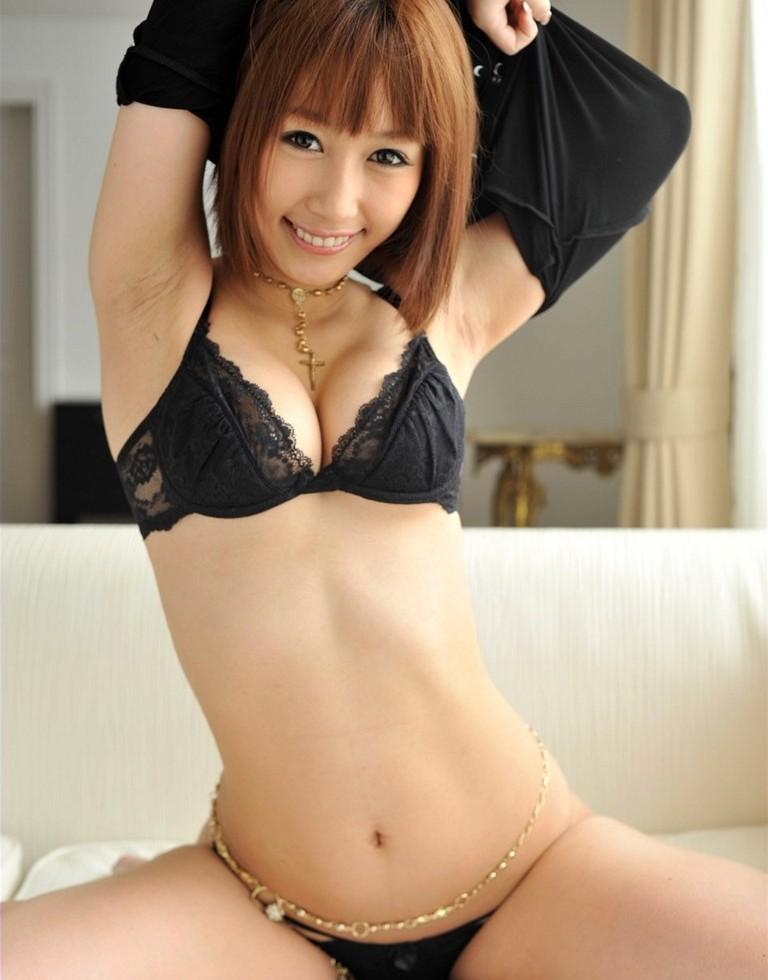 【ランジェリーエロ画像】全裸じゃないけどこれも良い!下着姿の女の子達! 68
