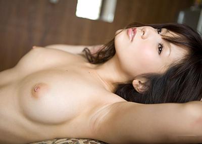 【美乳エロ画像】素晴らしい!ため息が出そうな綺麗なおっぱいの持ち主www