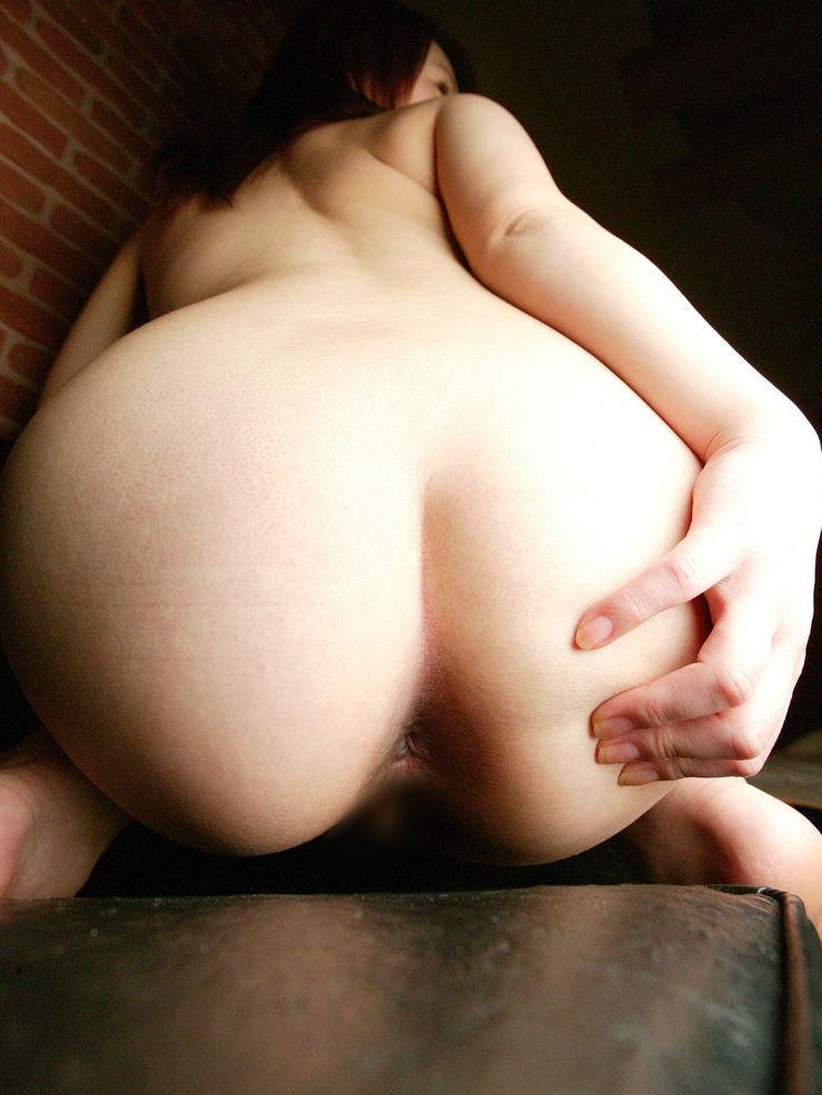 【アナルエロ画像】アナルをカメラの前でバッチリ披露してしまった女たち! 22