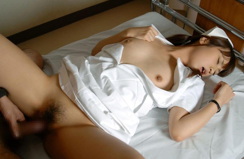 【ナースエロ画像】ナース姿の女の子たちのエロ画像にめっちゃ興奮できるエロ画像 03