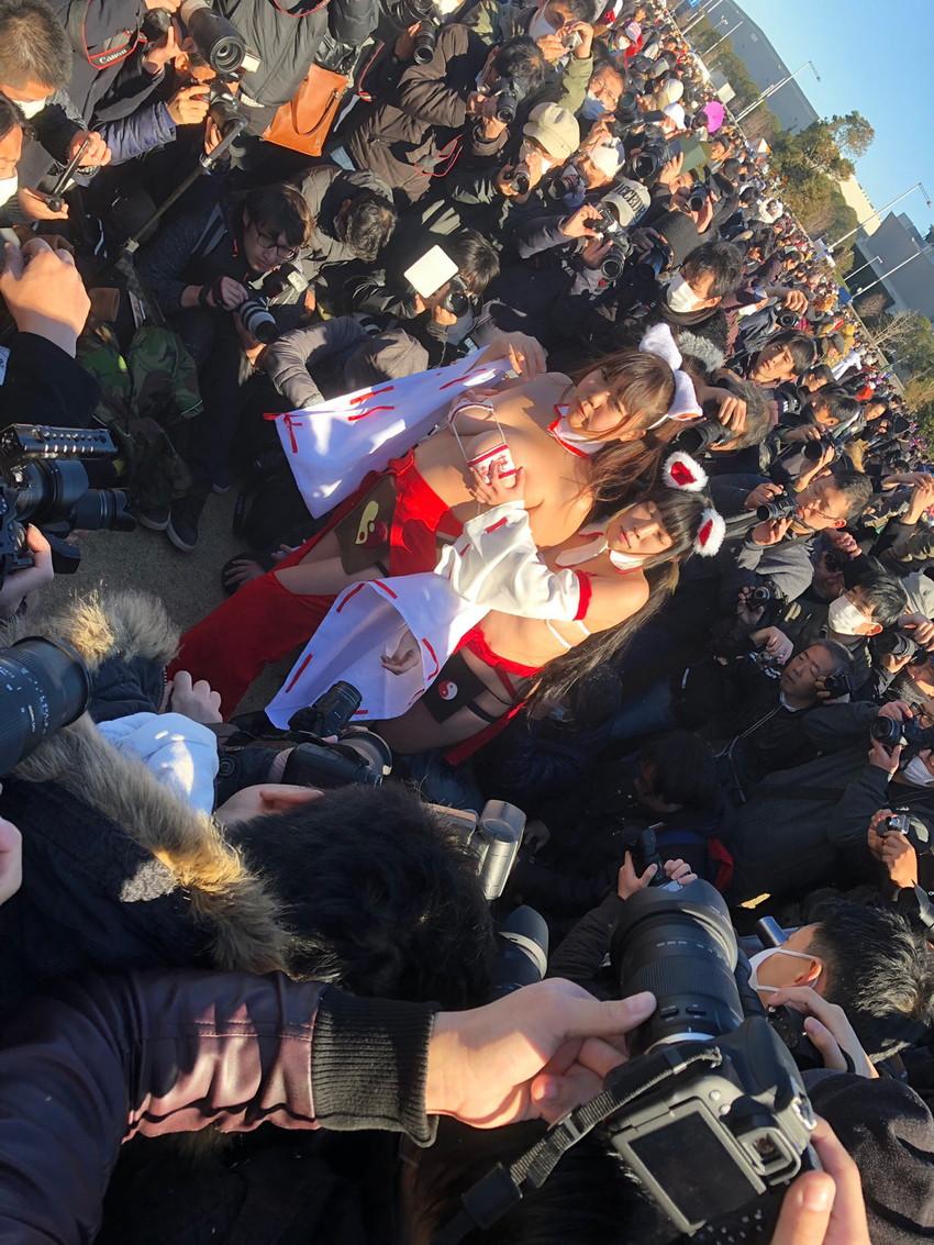 【コミケエロ画像】コスプレ会場で見かけた素人コスプレイヤー!こりゃ抜ける! 05
