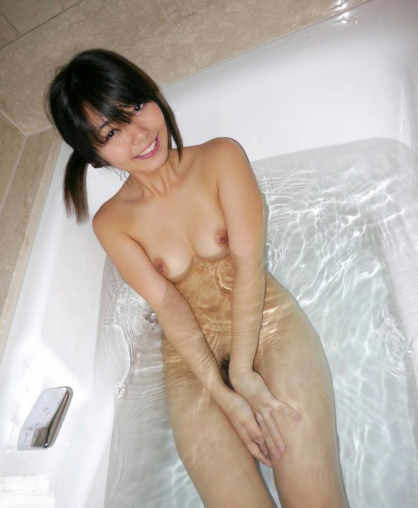【入浴エロ画像】入浴中の女の子!当然、全裸だから堪らんよな!wwww 03