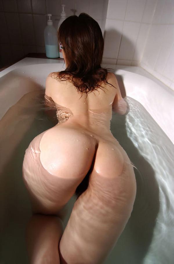 【入浴エロ画像】入浴中の女の子!当然、全裸だから堪らんよな!wwww 28