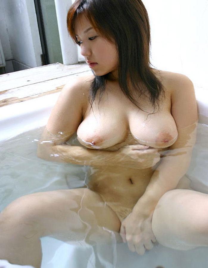 【入浴エロ画像】入浴中の女の子!当然、全裸だから堪らんよな!wwww 39