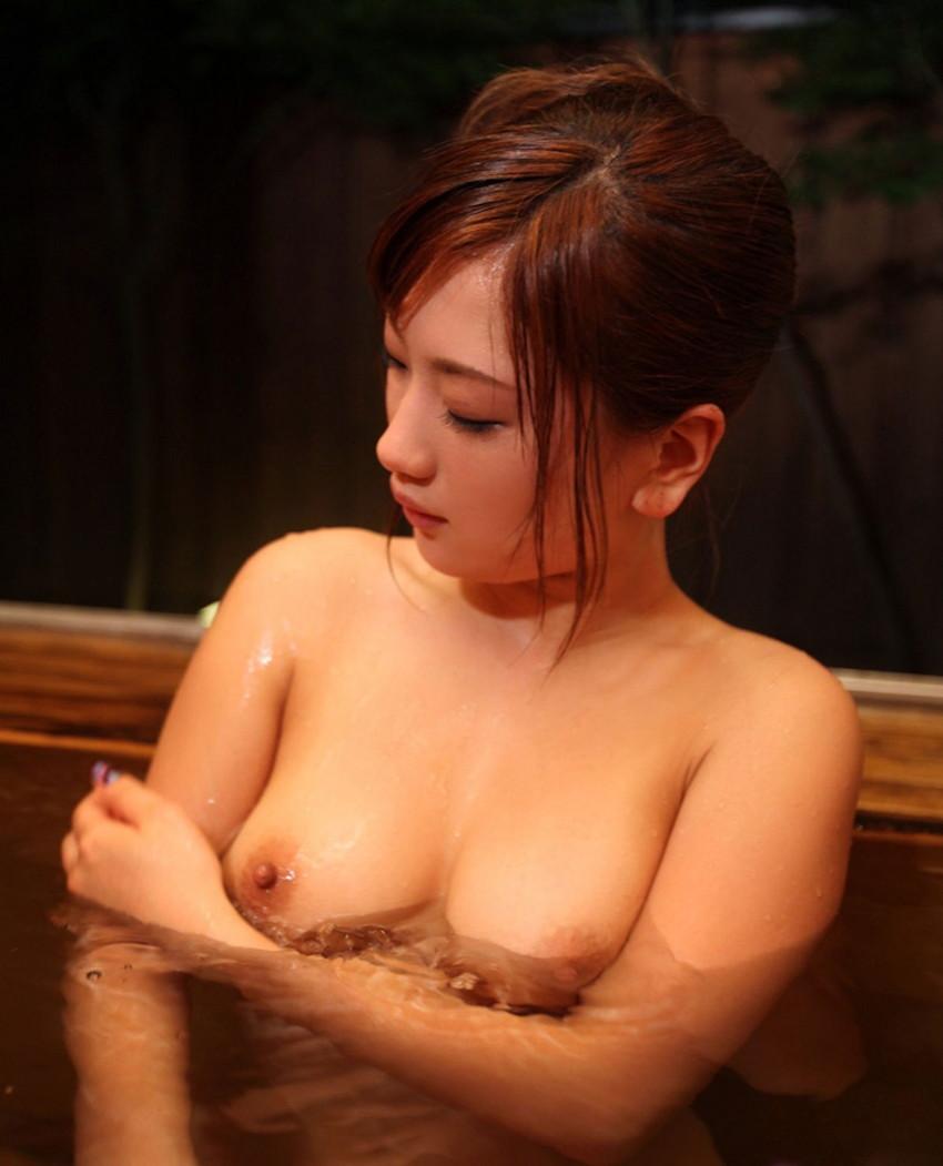 【入浴エロ画像】入浴中の女の子!当然、全裸だから堪らんよな!wwww 48