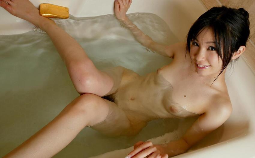 【入浴エロ画像】入浴中の女の子!当然、全裸だから堪らんよな!wwww 61
