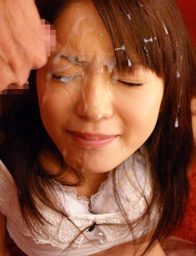【顔射エロ画像】女の子の可愛い顔面に男の欲望汁がべったりと…卑猥! 55
