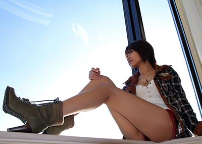 【美脚エロ画像】たんなる足!と侮ることなかれ!スラリ美脚の女たち!