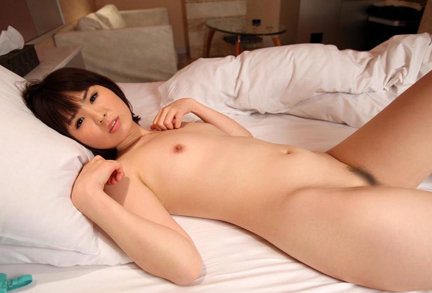 【ちっぱいエロ画像】膨らみかけた少女のような可愛い乳房に妄想が大爆発! 37