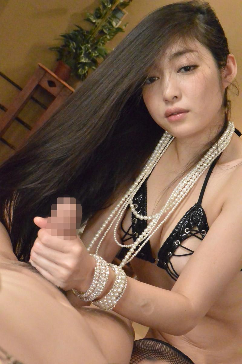 【手コキエロ画像】ソフトサービスだけど女の子にシテもらえるという優越感! 27