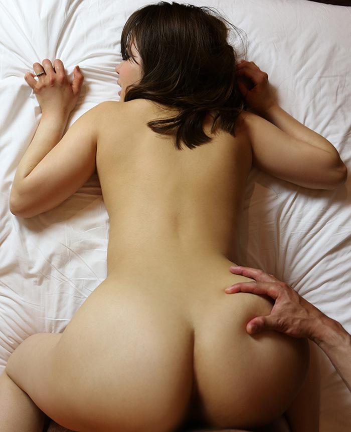 【バックエロ画像】尻フェチ必見!お尻を眺めながら卑猥な結合部! 54