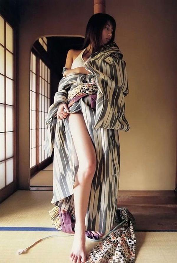 【和服エロ画像】和服姿って妙にソソるんだよな!和服のエロ画像集めたったwww 45