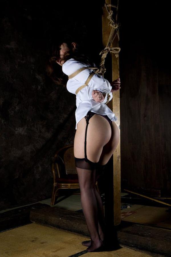 【緊縛エロ画像】緊縛された女の姿に男の本能が呼び覚まされる!?wwww 09