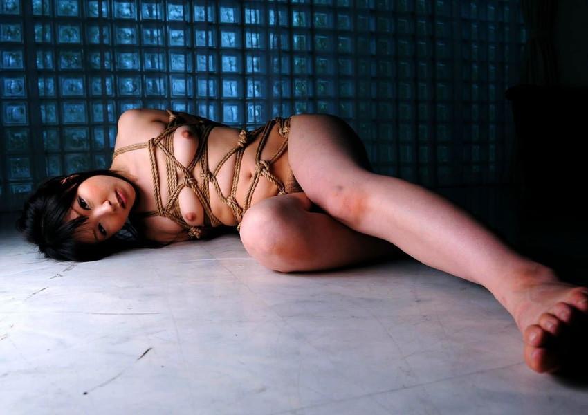 【緊縛エロ画像】緊縛された女の姿に男の本能が呼び覚まされる!?wwww 12