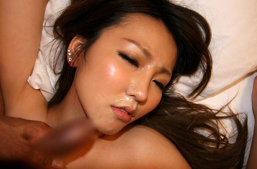【顔射エロ画像】ザーメンで女の子の顔面を汚せ!征服感を刺激される顔射! 36