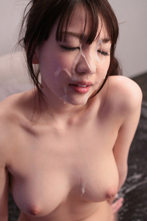 【顔射エロ画像】ザーメンで女の子の顔面を汚せ!征服感を刺激される顔射! 74