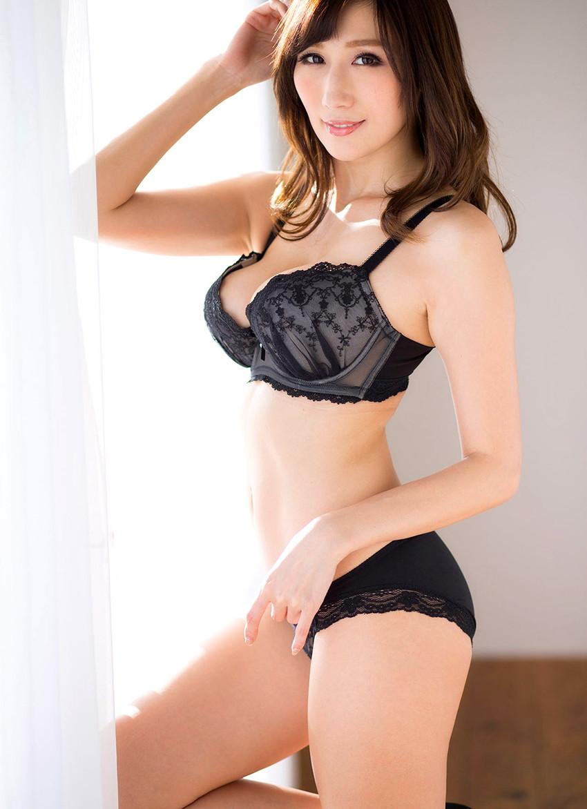 【ランジェリーエロ画像】割とイケる!裸でなくとも下着姿の女子ってのも意外と抜ける!? 22
