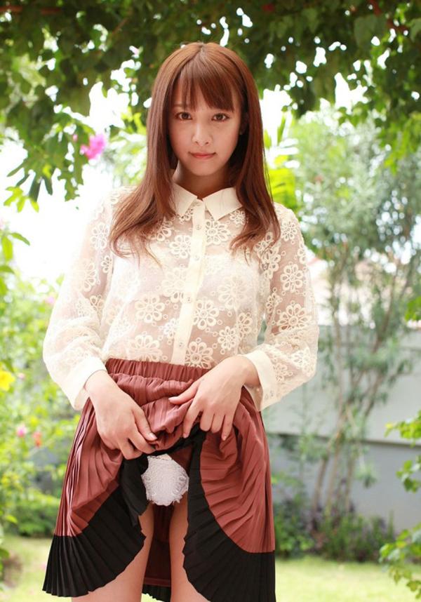 【セルフパンチラエロ画像】女の子からパンツ見てもいいんだよ!?なんて言われたい! 36