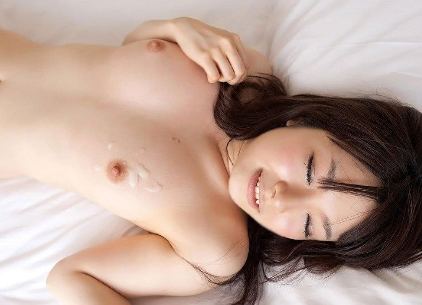【セックス事後エロ画像】あちこちににかけられたザーメン!これは恐らくセックス事後!? 24