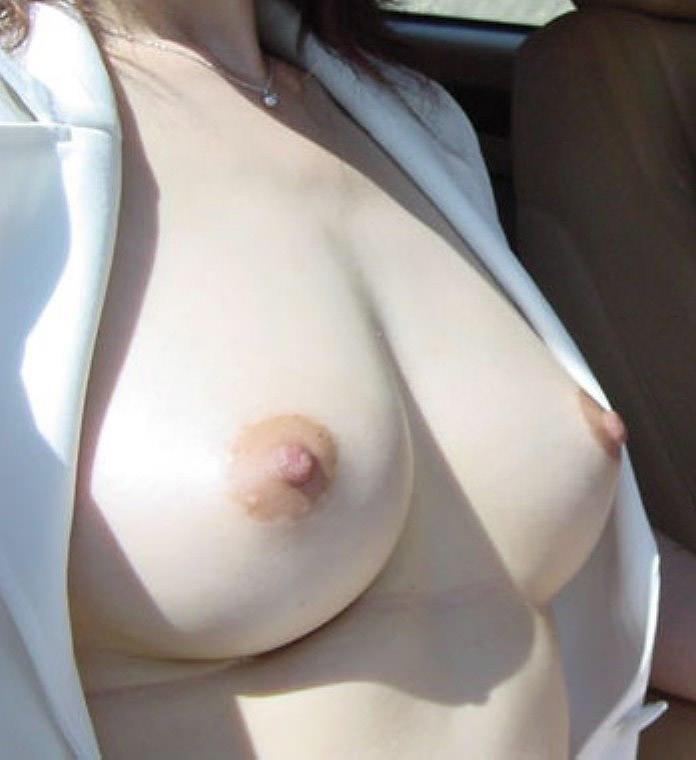 【美乳エロ画像】おっぱ好き必見!美乳の女の子達の画像あつめたった!