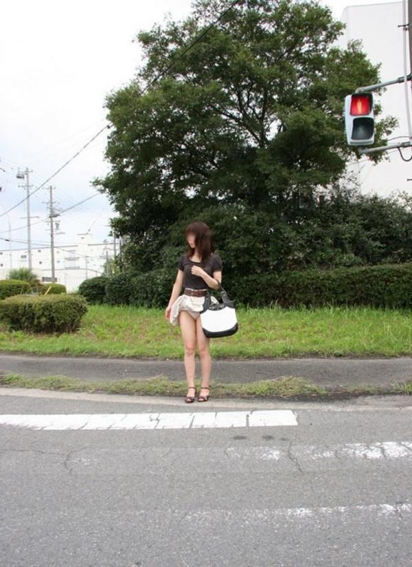 【パンチラエロ画像】偶発的に見つけた女の子のパンチラ画像がめっちゃシコ! 49