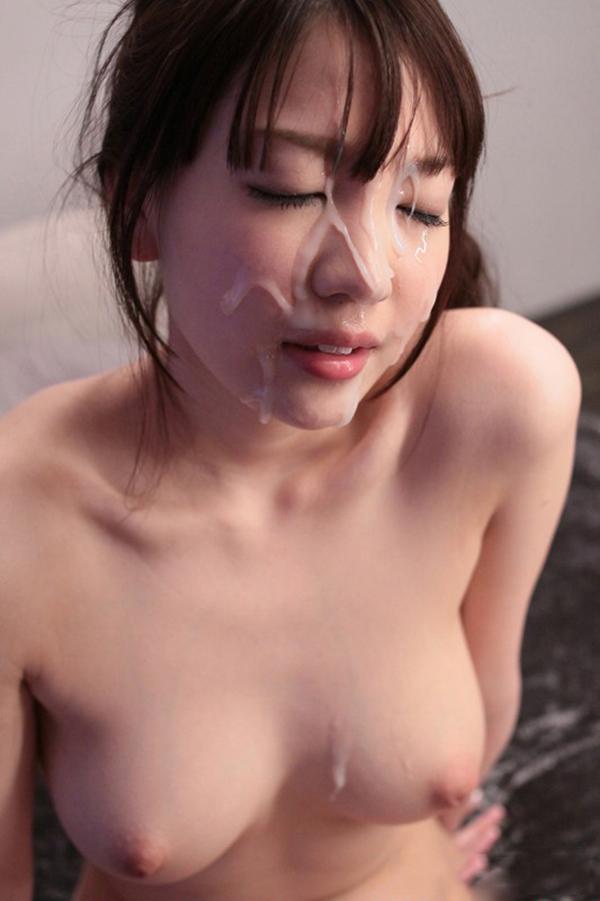 【顔射エロ画像】顔中がザーメンまみれ!卑猥な顔射後の女の子の表情がイイ! 19
