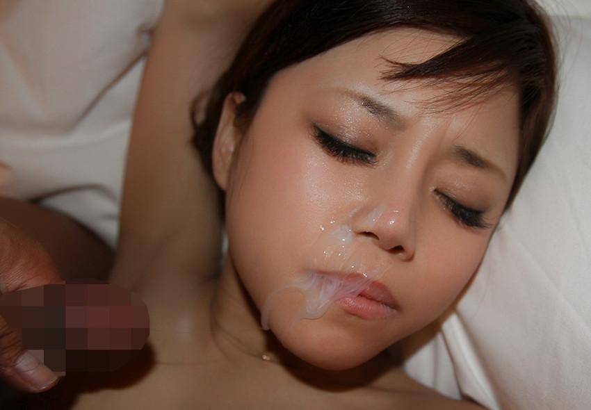 【顔射エロ画像】顔中がザーメンまみれ!卑猥な顔射後の女の子の表情がイイ! 39