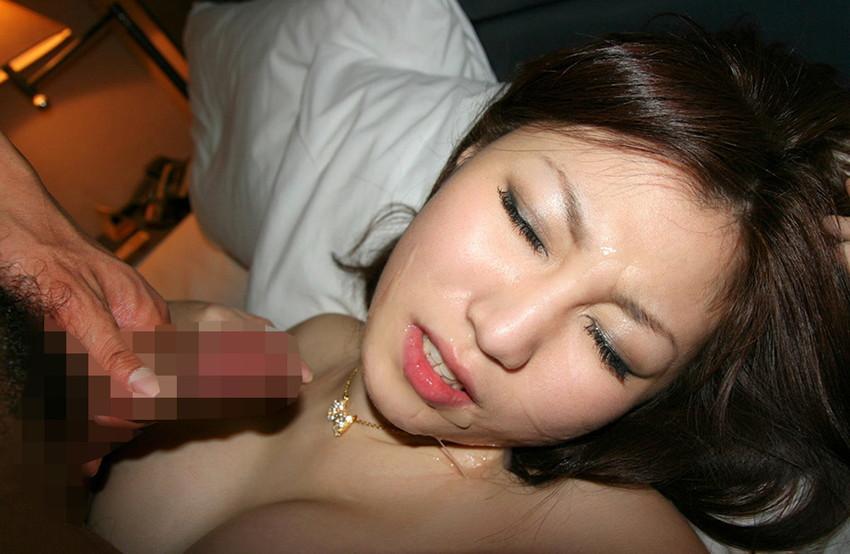【顔射エロ画像】顔中がザーメンまみれ!卑猥な顔射後の女の子の表情がイイ! 45