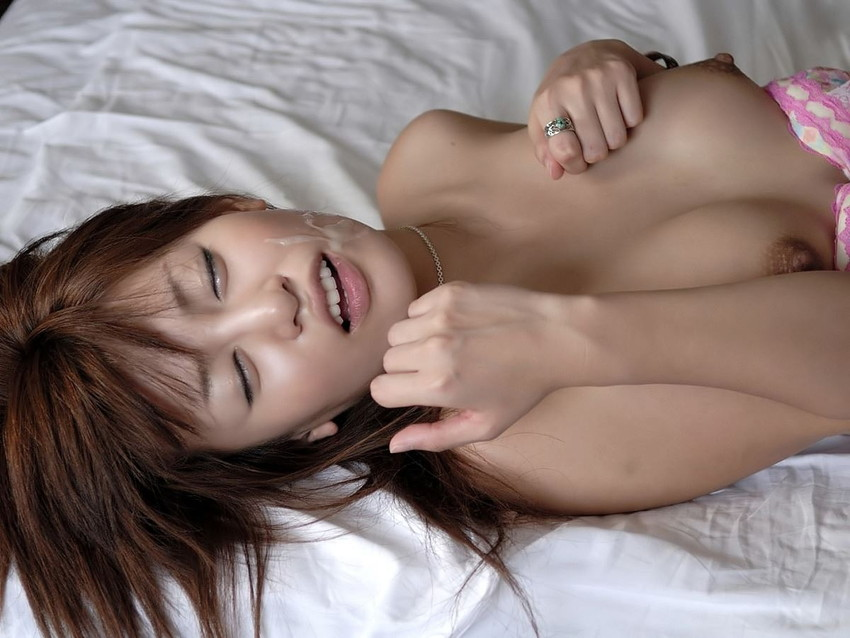 【顔射エロ画像】顔中がザーメンまみれ!卑猥な顔射後の女の子の表情がイイ! 57