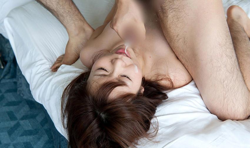 【顔射エロ画像】顔中がザーメンまみれ!卑猥な顔射後の女の子の表情がイイ! 68