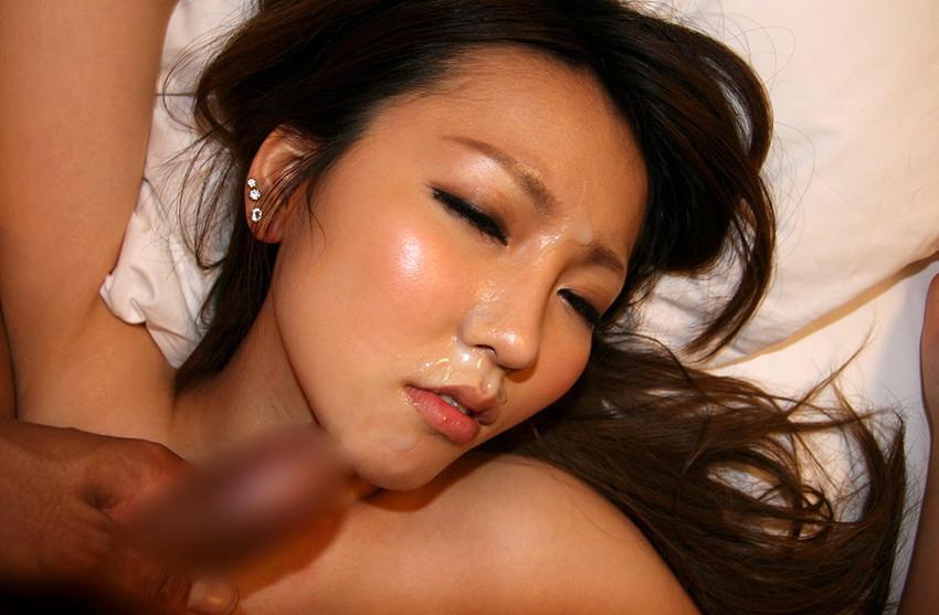 【顔射エロ画像】顔中がザーメンまみれ!卑猥な顔射後の女の子の表情がイイ! 81