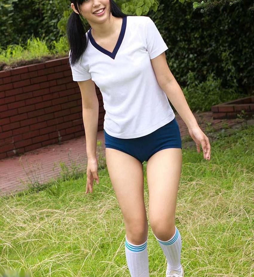 【体操服エロ画像】古きよき時代!ブルマという体操服がたまらんちwwww 81