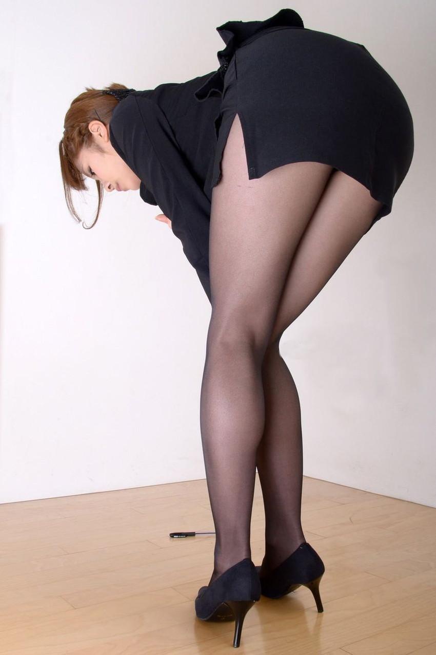 【美脚エロ画像】美しい脚線美の先には…妄想とまらない美脚の女の子! 02