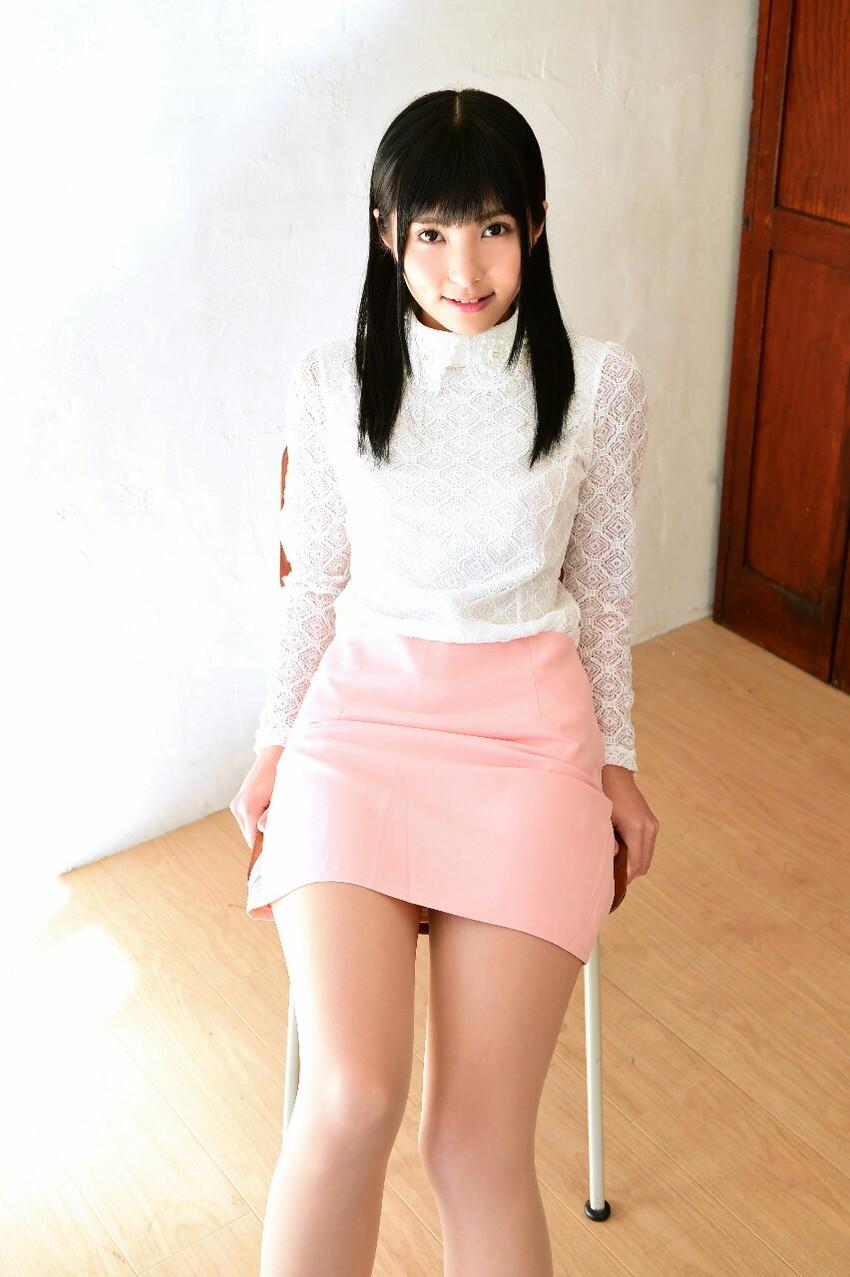 【美脚エロ画像】美しい脚線美の先には…妄想とまらない美脚の女の子! 05