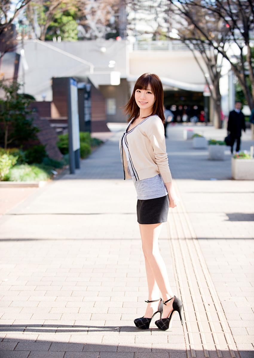 【美脚エロ画像】美しい脚線美の先には…妄想とまらない美脚の女の子! 38