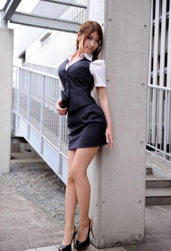 【美脚エロ画像】美しい脚線美の先には…妄想とまらない美脚の女の子! 63