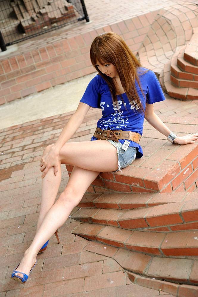 【美脚エロ画像】美しい脚線美の先には…妄想とまらない美脚の女の子! 65