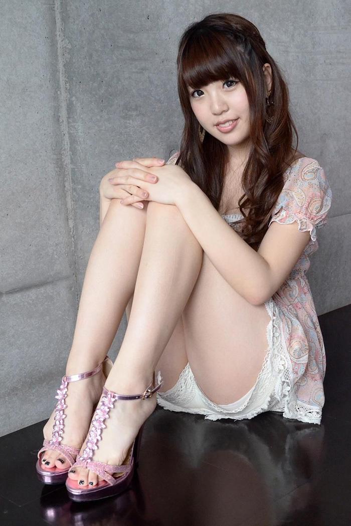 【美脚エロ画像】美しい脚線美の先には…妄想とまらない美脚の女の子! 68