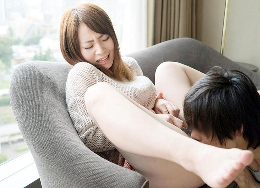 【クンニリングスエロ画像】オマンコをぺろぺろ刺激されて感じまくる女子エロッ! 80