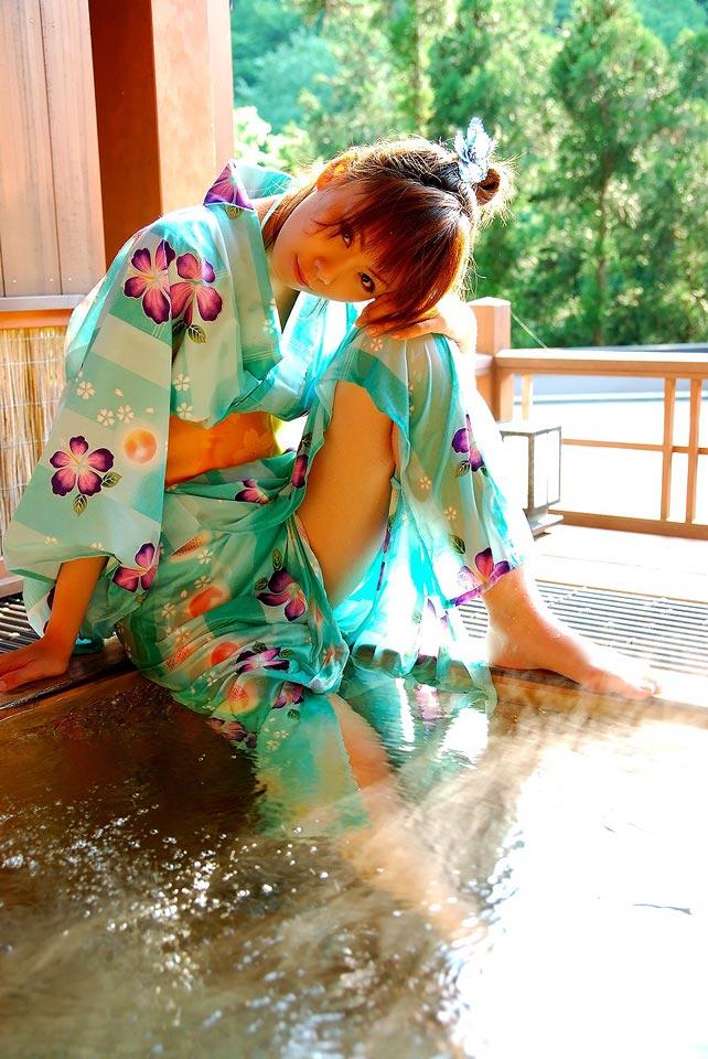 【和服エロ画像】和服姿のエロスに大興奮!これぞ日本人の心だよな! 72