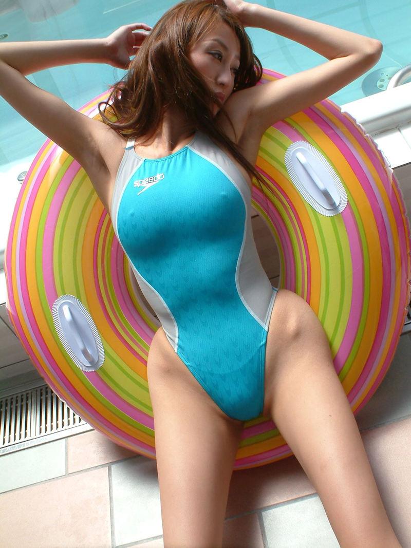 【競泳水着エロ画像】こんな水着…これが競泳用というから驚き!おっきした! 05
