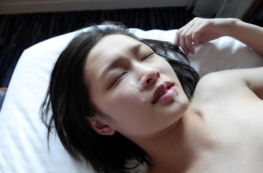 【顔射エロ画像】可愛いお顔がザーメンまみれ!顔射の餌食になった女の子! 47