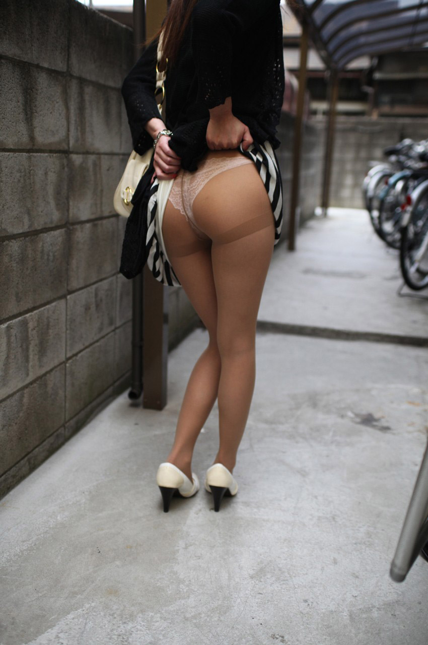【セルフパンチラエロ画像】見てください!と言わんばかりのパンチラ!wwwww 64