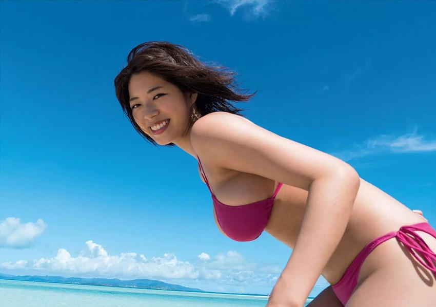 【ビキニエロ画像】やっぱり女の子の水着って言ったらコレしかないだろ!? 06