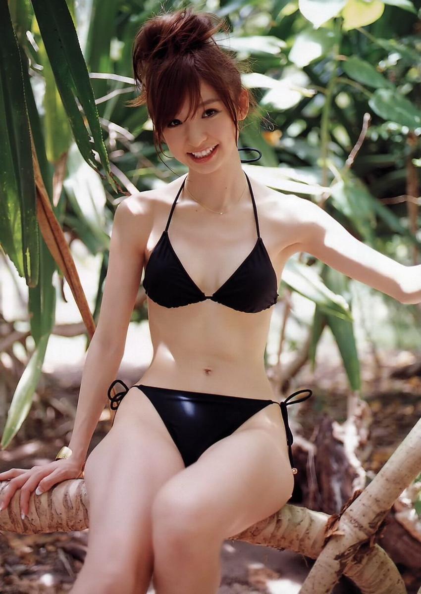 【ビキニエロ画像】やっぱり女の子の水着って言ったらコレしかないだろ!? 14