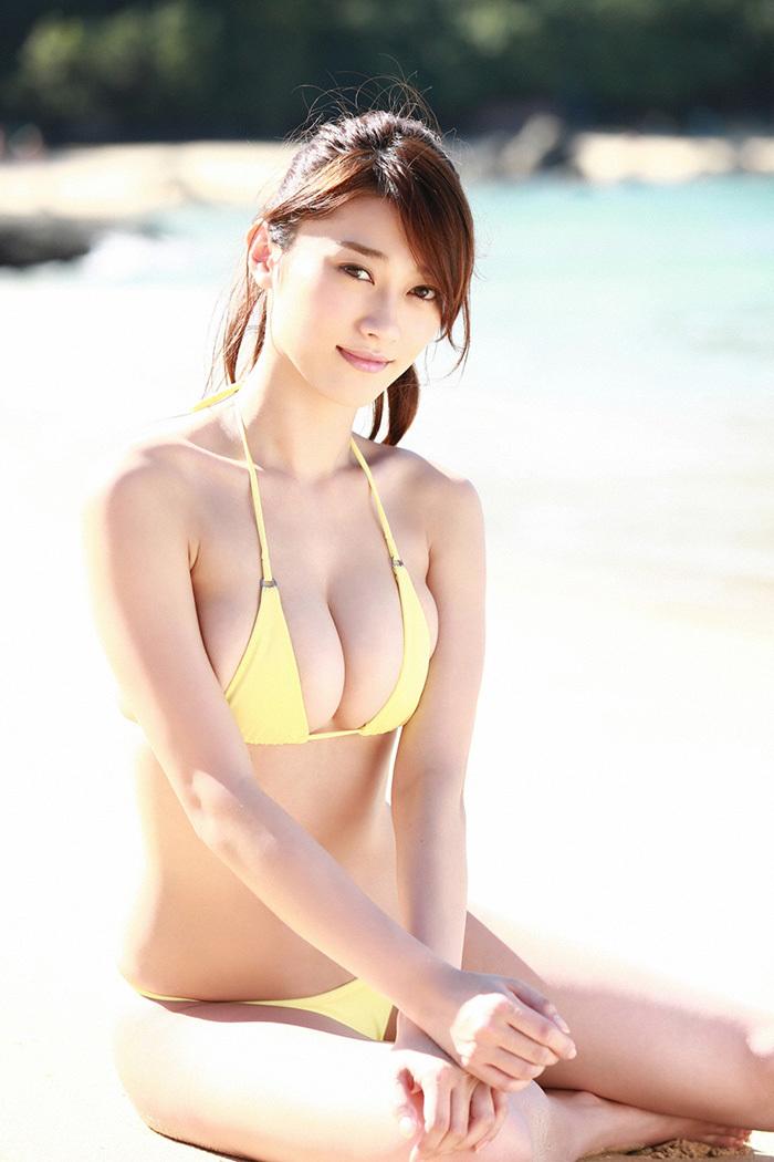 【ビキニエロ画像】やっぱり女の子の水着って言ったらコレしかないだろ!? 15