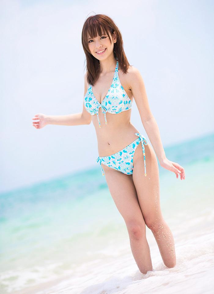 【ビキニエロ画像】やっぱり女の子の水着って言ったらコレしかないだろ!? 62