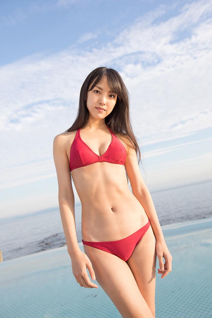 【ビキニエロ画像】やっぱり女の子の水着って言ったらコレしかないだろ!? 66